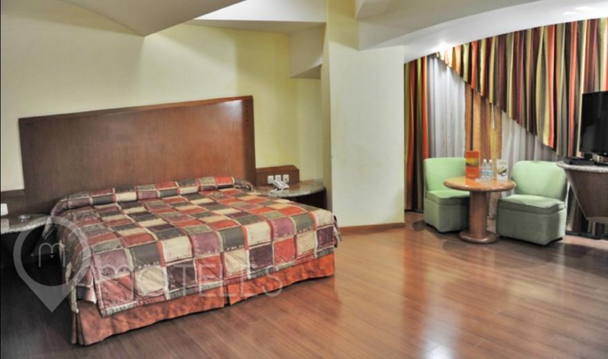 Habitacion Hotel King Size del Motel Aranjuez Suites & Villas