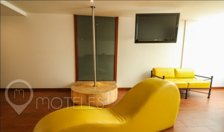 Habitacion Suite Cama Colgante del Motel Atenas Plaza