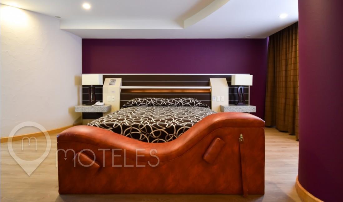 Habitacion Jacuzzi con Cama de Agua del Motel Castello
