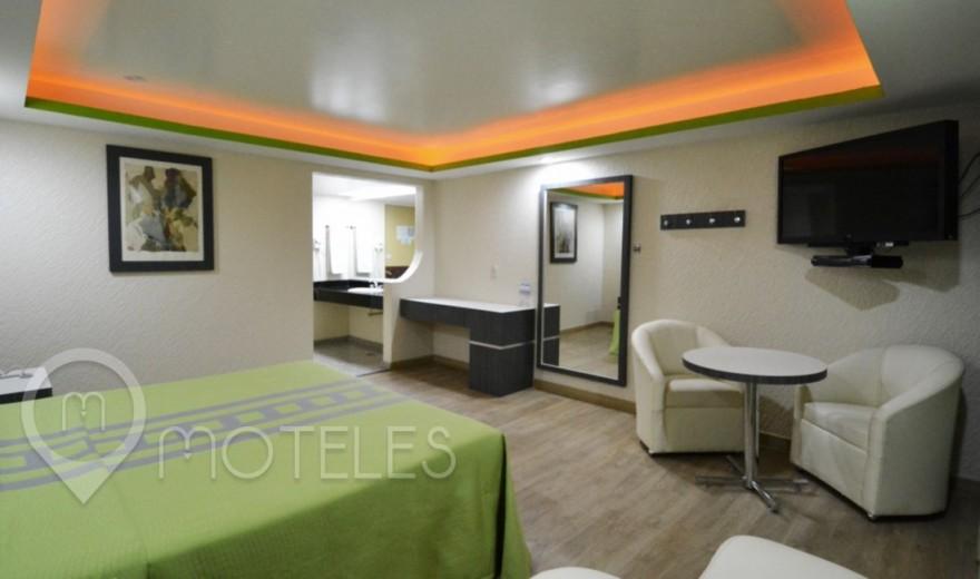 Habitacion Suite con Potro del Motel Corona Real