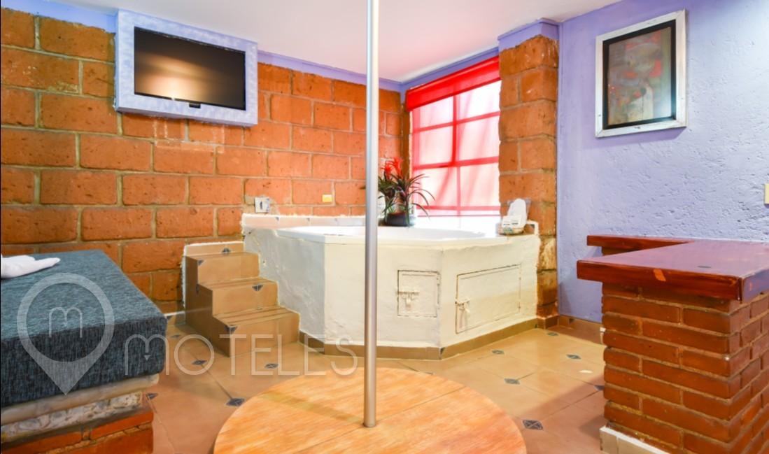 Habitacion Villa Jacuzzi con Cama de Masaje del Motel Hacienda Coyoacán