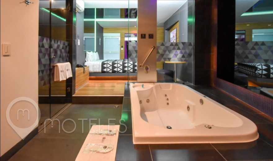 Habitacion Suite Jacuzzi del Motel Interlove