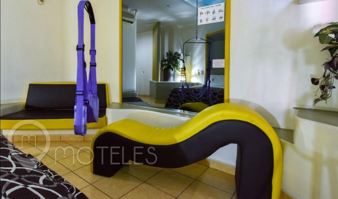 Habitacion Sencilla con Columpio del Motel Lexus