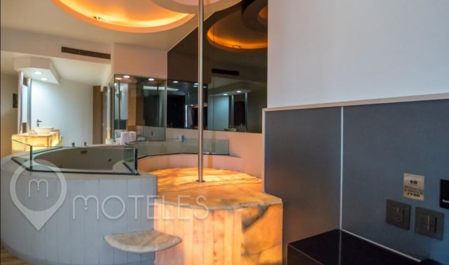 Habitacion Torre Jacuzzi VIP del Motel Pasadena Hotel & Villas