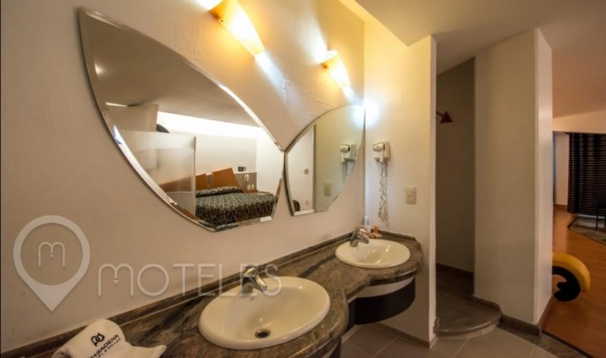 Habitacion Villa Jacuzzi Jr. del Motel Pasadena Hotel & Villas