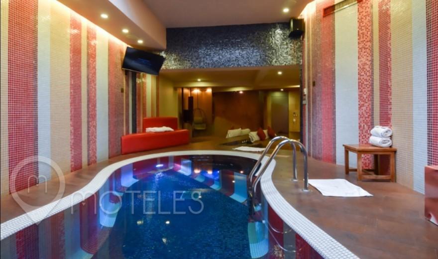 Habitacion Alberca Lounge del Motel Pirámides del Valle