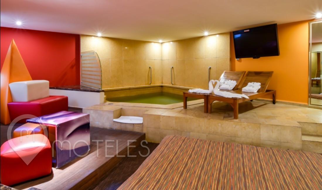 Habitacion Suite Alberca del Motel Pirámides Narvarte