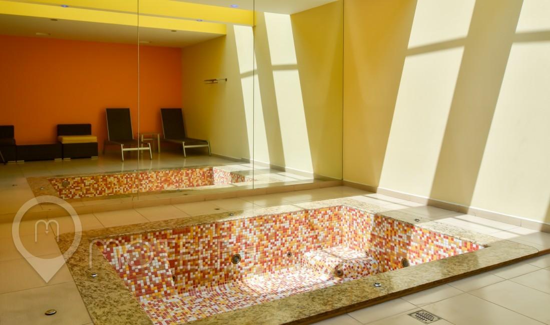 Habitacion Jacuzzi Master Solarium del Motel Plaza del Rey Hotel & Villas