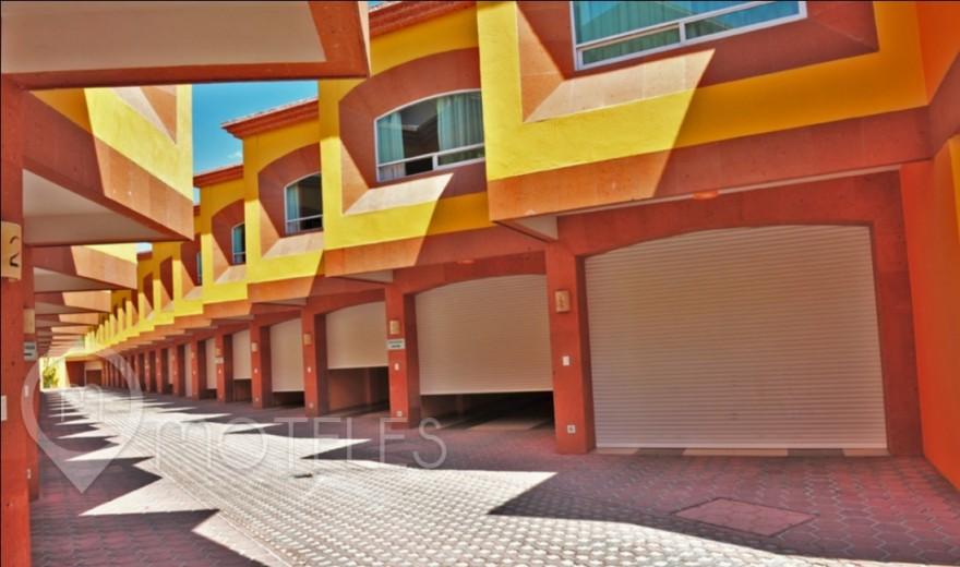 Motel Plaza del Rey Hotel & Villas