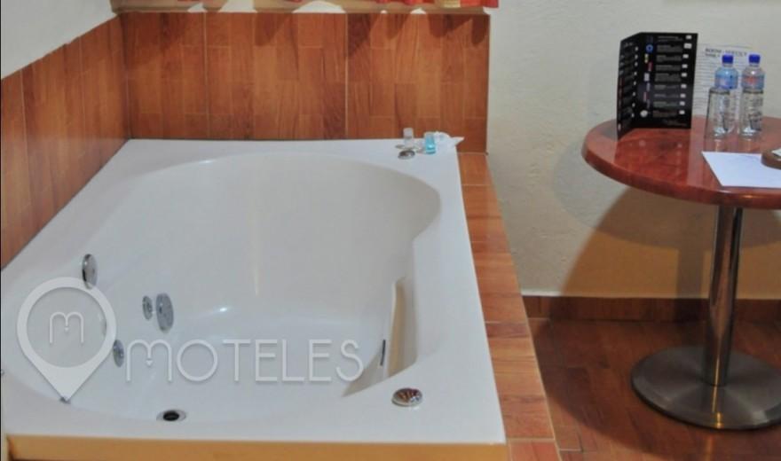 Habitacion Villa Jacuzzi del Motel Plaza Delta