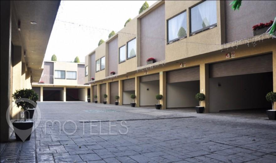 Motel Plutarco Suites