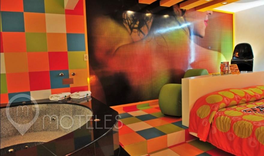 Habitacion Villa Suite Jacuzzi del Motel Pop Life