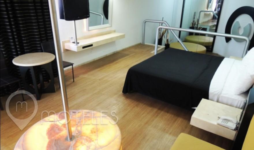 Habitacion Master Suite Cama Colgante del Motel Villa Pórticos