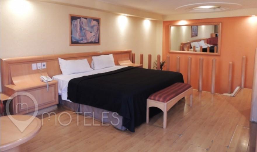 Habitacion Cama de Agua del Motel Villa Pórticos
