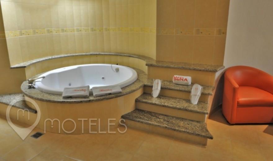 Habitacion Villa con Jacuzzi del Motel Sena