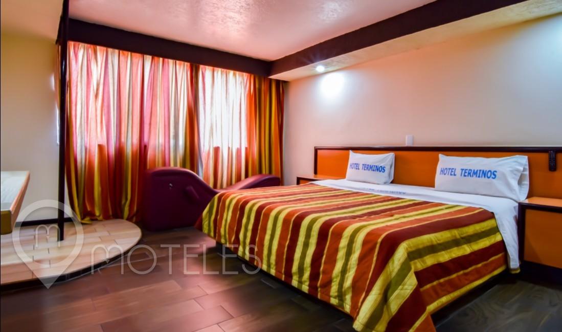 Habitacion Villa Jacuzzi  del Motel Términos
