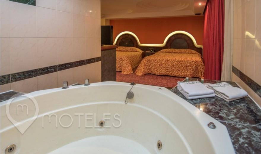 Habitacion Doble con Jacuzzi del Motel Ticomán Plaza