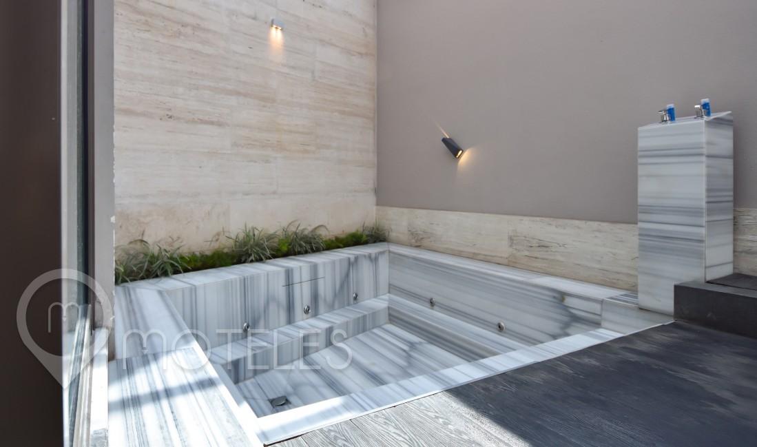 Habitacion Jacuzzi Sauna  del Motel Picasso Lerma