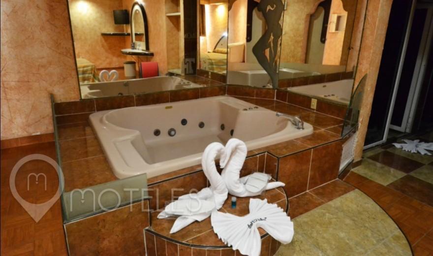 Habitacion Villa Jacuzzi del Motel Tultitlán