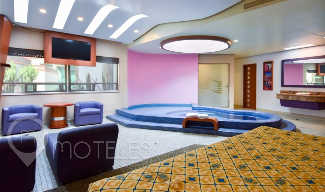Habitacion Alberca del Motel Verona Hotel & Suites