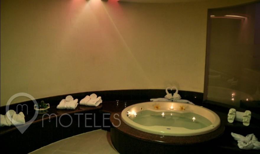 Habitacion Villa Suite Table del Motel Villas Puente